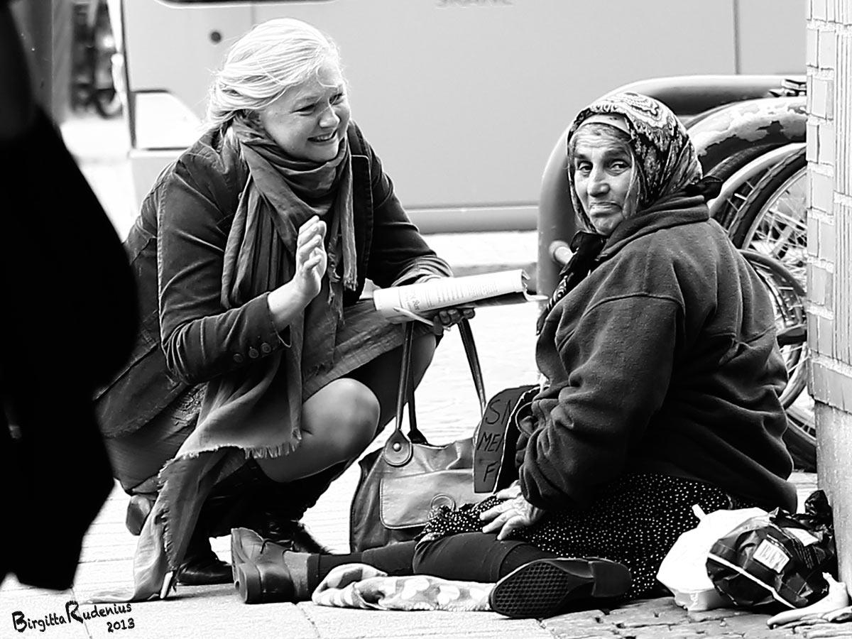 people_20130710_beggar1a