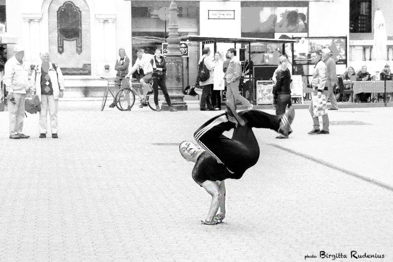 people_20130526_streetdance
