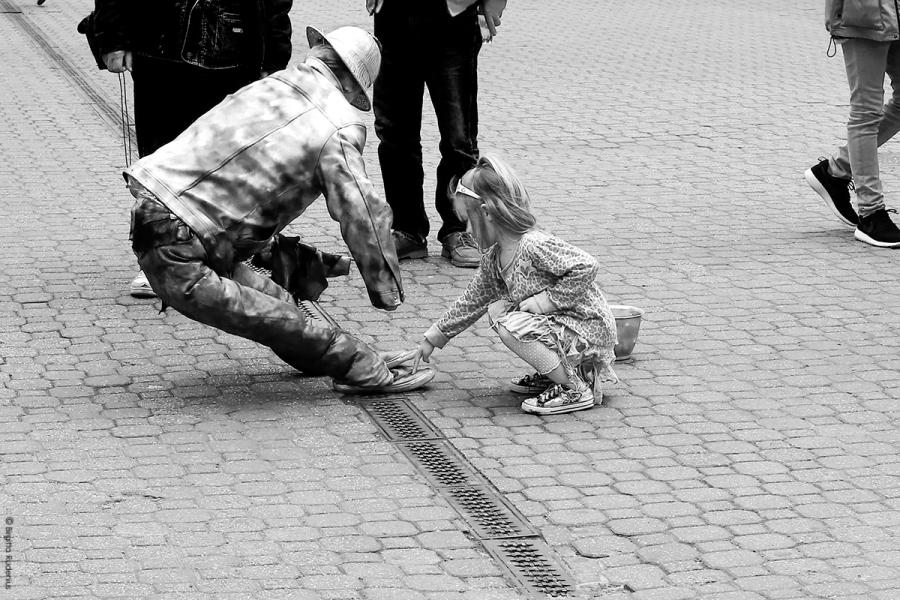 PiPP_20140503_touching