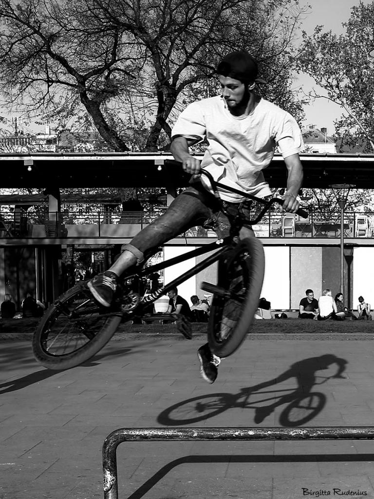 people_20150423_biker