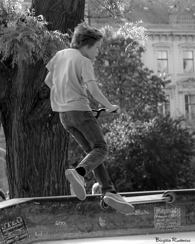 people_20150425_skater2