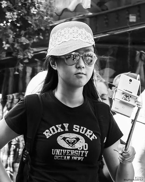Street Photography - Roxy Surf