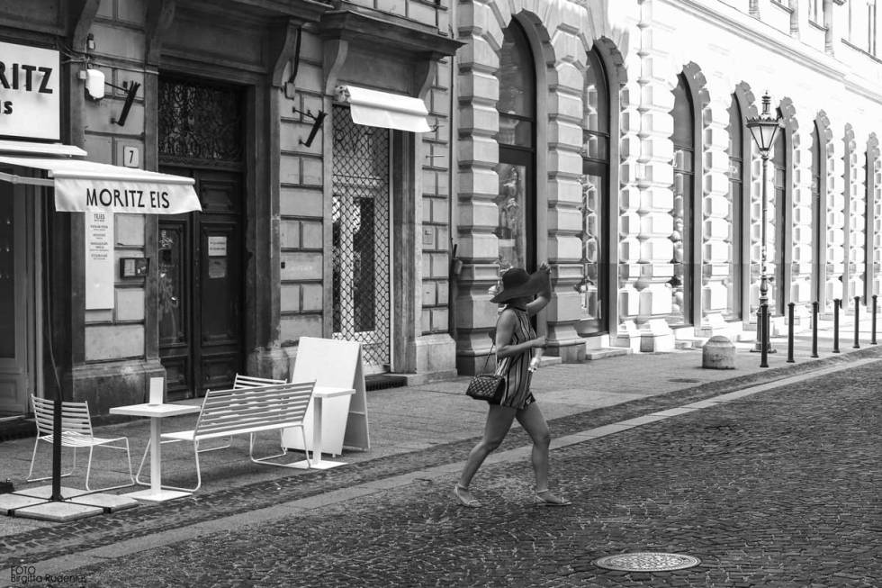 Street Photography - Run away