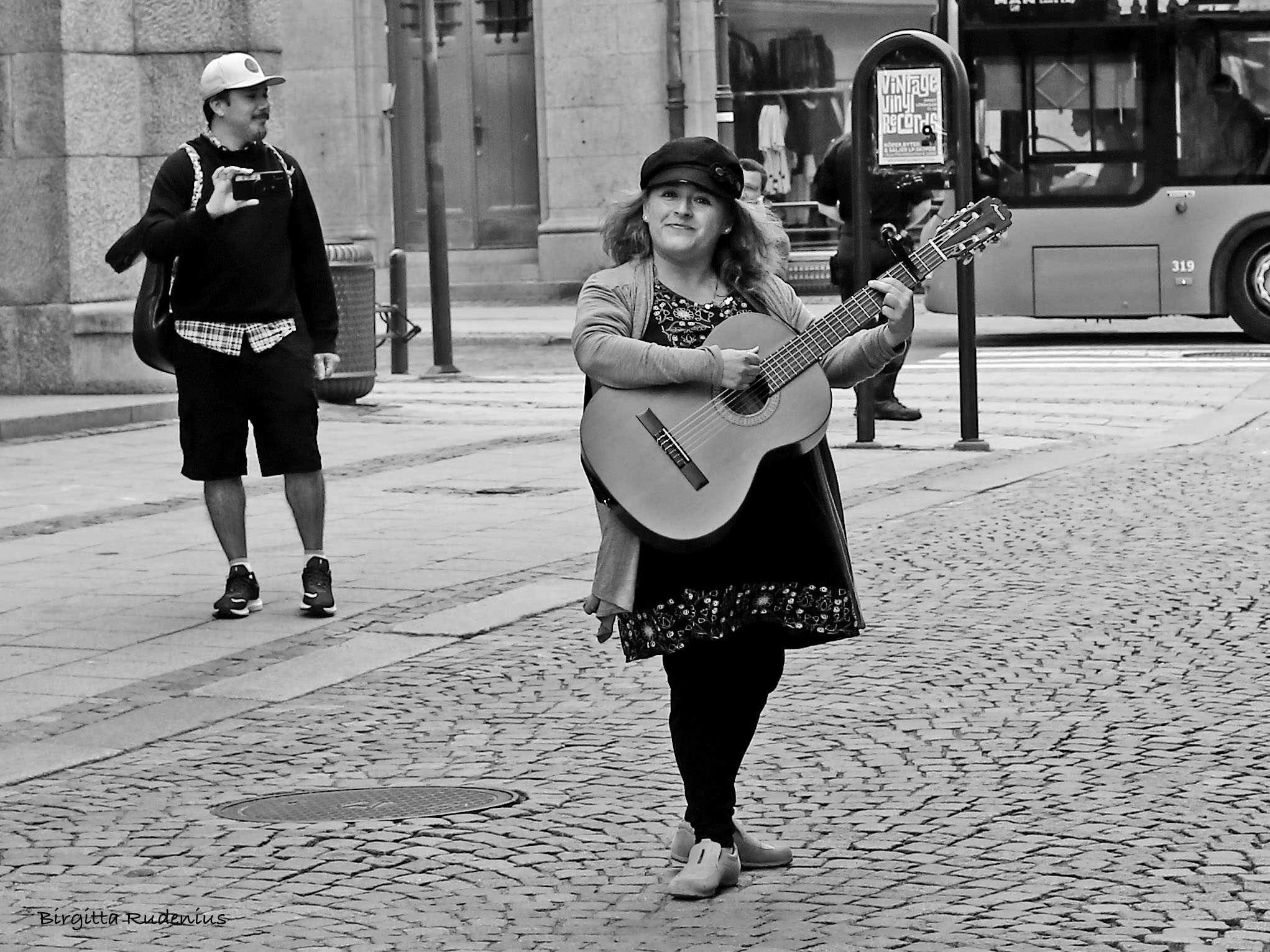 Music lady Street life © Birgitta Rudenius